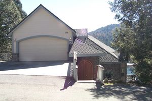 4 Bedroom Lake Gregory View Home in Crestline for Vacation Rental